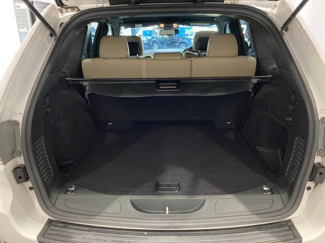 ラレード 認定中古車保証付帯 整備有 純正8.4インチナビ バックカメラ ETC 社外シートカバー クルーズコントロール 純正アルミホイール キセノンヘッドライト(16枚目)