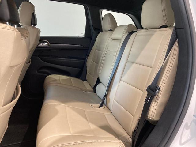 ラレード 認定中古車保証付帯 整備有 純正8.4インチナビ バックカメラ ETC 社外シートカバー クルーズコントロール 純正アルミホイール キセノンヘッドライト(19枚目)