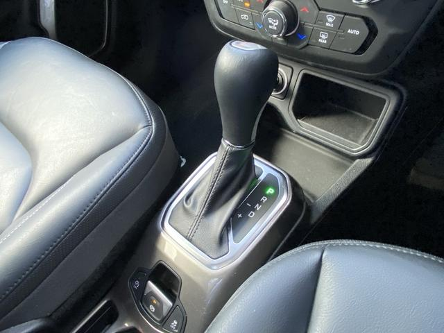リミテッド 認定中古車保証付 整備付 レザシート パワーシート フロントシートヒーター ハンドルヒーター 純正8.4インチメモリーナビ バックカメラ ルーフレール ETC2.0 HIDヘッドランプ(11枚目)