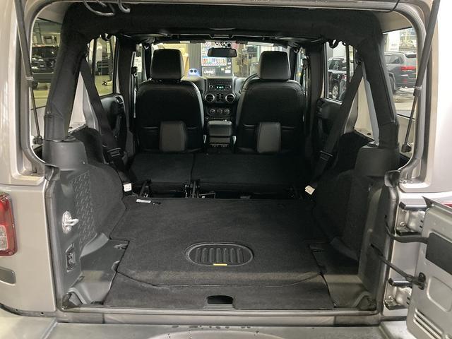アルティテュード 認定中古車保証 限定車 レザーシート シートヒーター ETC フリーダムトップ 背面タイヤ 純正18インチアルミホイール アルパインスピーカー サイドカメラ バックカメラ(29枚目)