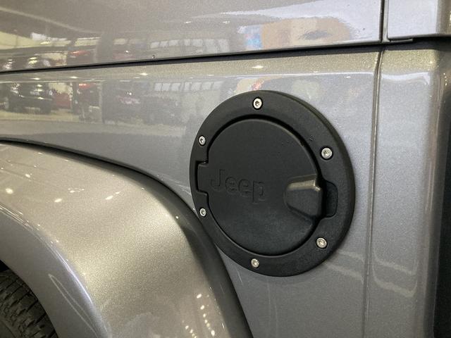 アルティテュード 認定中古車保証 限定車 レザーシート シートヒーター ETC フリーダムトップ 背面タイヤ 純正18インチアルミホイール アルパインスピーカー サイドカメラ バックカメラ(31枚目)