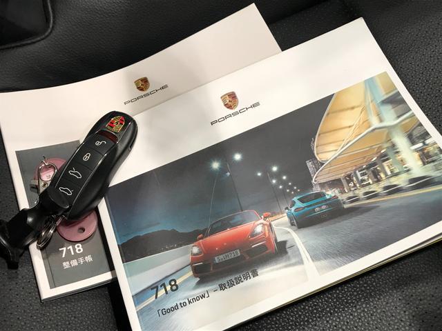 718ボクスター PDK スポーツクロノパッケージ 19インチBoxster Sホイール ダイナミックライトシステムプラス ポルシェエントリー&ドライブシステム BOSEサラウンドシステム レーンチェンジアシスト(22枚目)