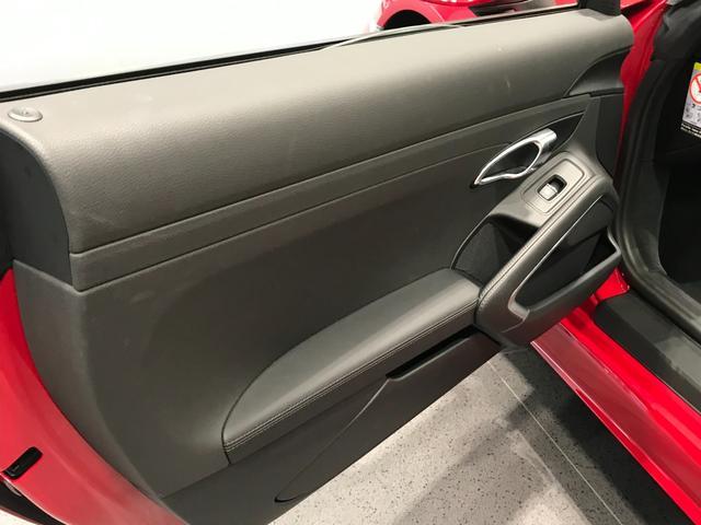 718ボクスター PDK スポーツクロノパッケージ 19インチBoxster Sホイール ダイナミックライトシステムプラス ポルシェエントリー&ドライブシステム BOSEサラウンドシステム レーンチェンジアシスト(32枚目)