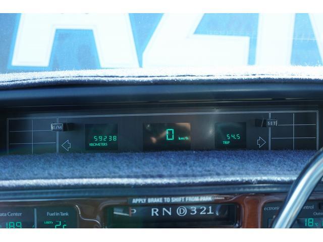 正規ディーラー車 パワーウィンドウ 集中ロック ETC HIDヘッドライト 電動ミラー 電動シート カロッツェリアナビ(17枚目)