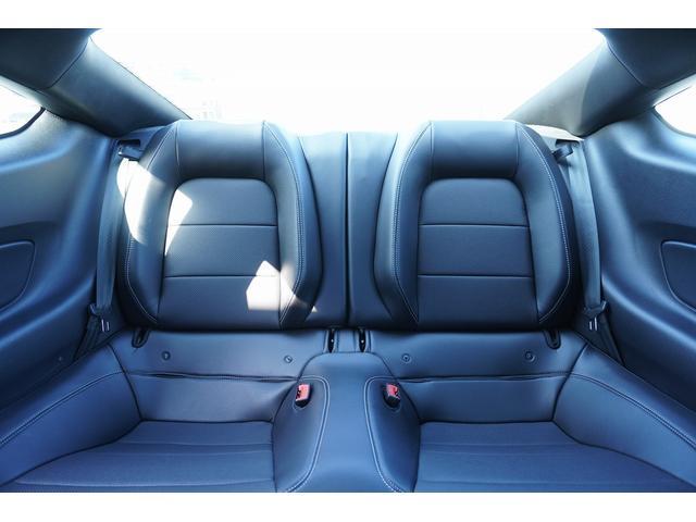プレミアム エコブースト 走行証明書 AT10速 アップルカープレイ 9スピーカーサウンドシステム シートヒーター&クーラー レザーシート 電動シート バックカメラ 国内未登録 純正18インチAW(16枚目)