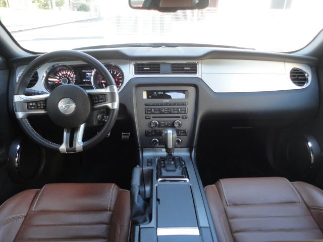 V6 プレミアム ワンオーナー 正規ディーラー車(9枚目)