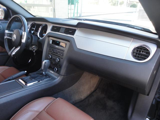 V6 プレミアム ワンオーナー 正規ディーラー車(11枚目)