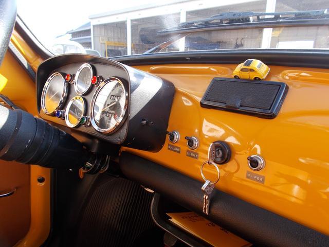 フィアット フィアット チンクチェント 500 キャンバストップ 4連メーター スポーツマフラー