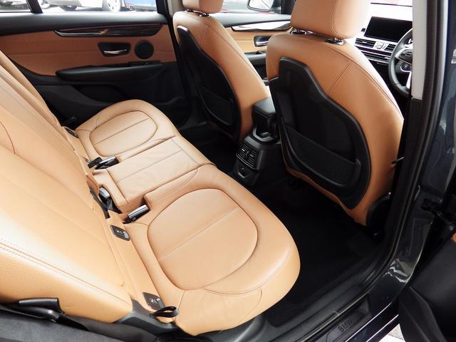 BMW BMW 218dグランツアラー レザー シートヒーター 7人乗り