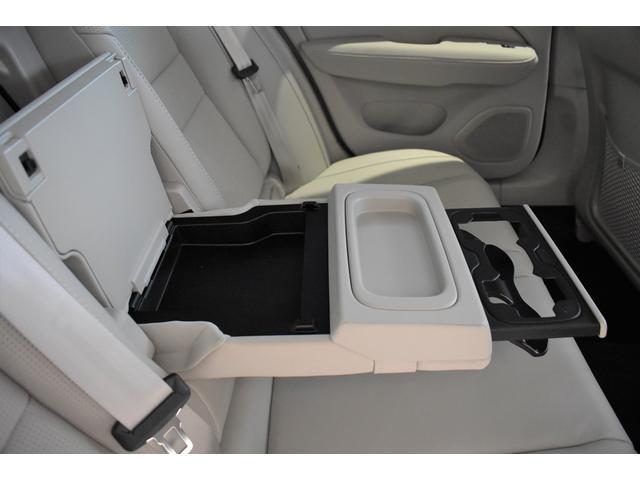 クロスカントリー T5 AWD プロ ブロンドファインナッパレザー シートヒーター ベンチレーション マッサージ機能 19AW ハーマンカードン 純正ナビ TV ETC 全車速追従機能付きクルーズコントロール(16枚目)
