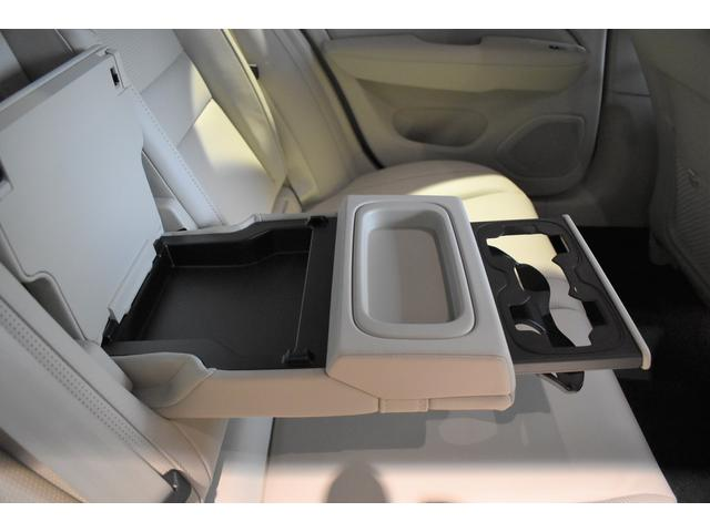 B5 インスクリプション サンルーフ B&W 5スポーク19AW テイラードダッシュボード クライメートパッケージ ブロンドファインナッパレザー ベンチレーション マッサージ機能 シートヒーター 純正ナビ TV ETC ACC(28枚目)