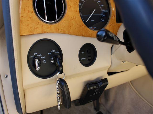 「ベントレー」「ベントレー アズール」「オープンカー」「愛知県」の中古車44