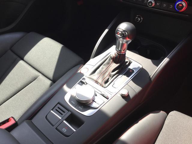 アウディ アウディ S3セダン LEDヘッドライト
