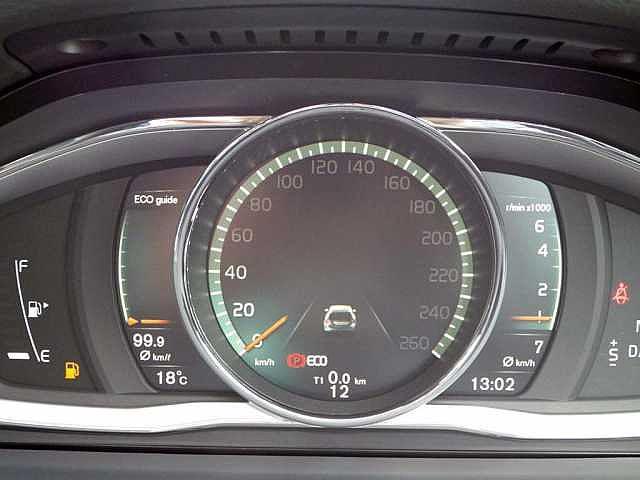 ボルボ ボルボ V60 T3 SE 黒革 オートB 追従C Rカメラ 登録済未使用車
