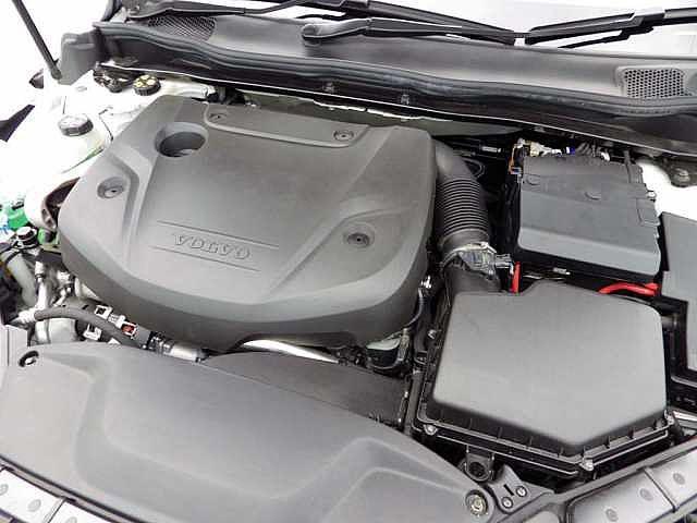ボルボ ボルボ V40 クロスカントリーD4SE 本革 オートB付 ワンオーナー車