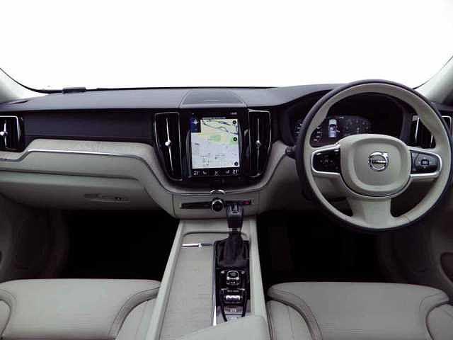 「ボルボ」「ボルボ XC60」「SUV・クロカン」「静岡県」の中古車13