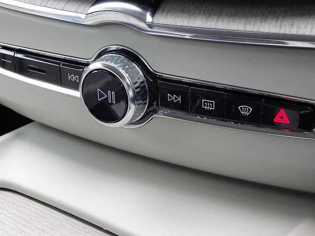 「ボルボ」「ボルボ XC60」「SUV・クロカン」「静岡県」の中古車27