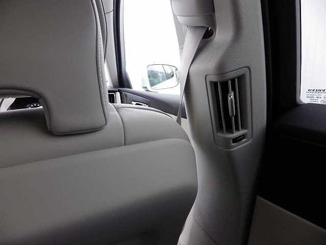 「ボルボ」「ボルボ XC60」「SUV・クロカン」「静岡県」の中古車36