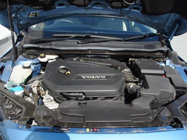 ボルボ ボルボ V40 T4 SE ハーフレザーシート 9800km