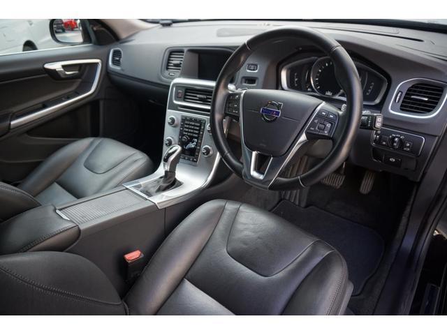 T3 SE SELKT認定中古車 インテリセーフ キーレスエントリー 本革シート ETC バックモニター パワーシート(13枚目)