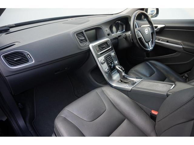 T3 SE SELKT認定中古車 インテリセーフ キーレスエントリー 本革シート ETC バックモニター パワーシート(22枚目)