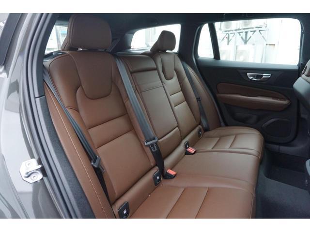 クロスカントリー B5 AWD SELEKT認定中古車 インテリセーフ 全周囲カメラ パワーシート シートヒーター パワーテールゲート 本革シート AWD(14枚目)