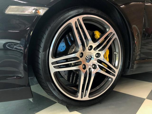 911ターボ PCCB スポーツクロノパッケージ バックカメラ PASM シートヒーター コンフォートシート 19インチターボホイール Bluetooth バイキセノン レザーインテリア(6枚目)