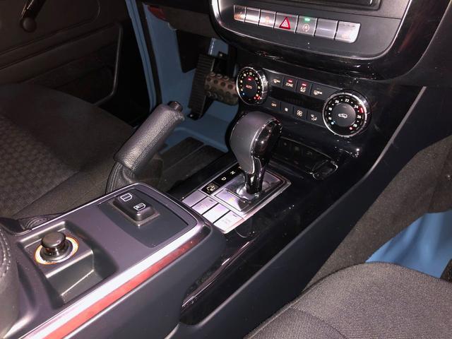 G350d プロフェッショナル オフロードパッケージ 国内未発売 ライトガード リアラダー付ルーフラック ウッドフロアデッキ スチールバンパー サイドステップ シートヒーター ヒッチボール マットブラック16AW(17枚目)