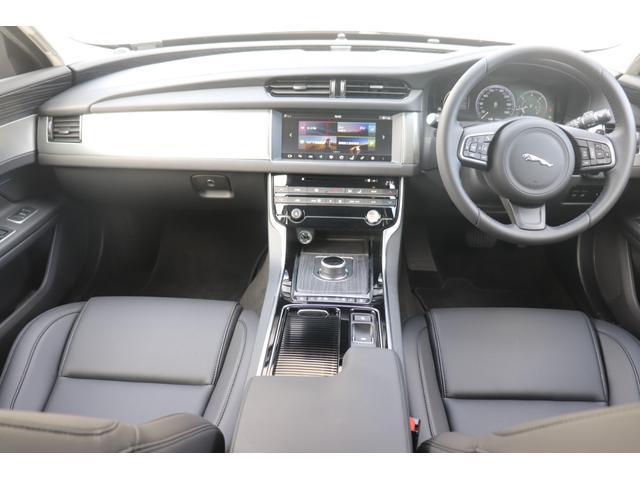 2.0 180PS 8AT ディーゼル AWD Pオーディオ(11枚目)
