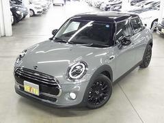 MINIクーパーD ストリートスタイル 黒革シート 登録済み未使用車