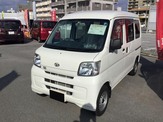 沖縄の中古車 ダイハツ ハイゼットカーゴ 車両価格 101万円 リ済別 平成28年 0.7万km ホワイト