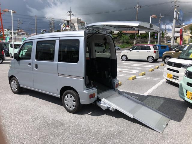 沖縄県の中古車ならハイゼットカーゴ スローパ- リヤレス 補助シート SAIII 2WD AT ワンオーナー キーレス 運転席エアバッグ