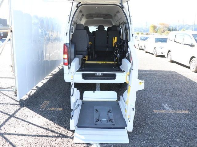 トヨタ クルマイスシヨウBタイプ 両側電動スライド ワンオーナー