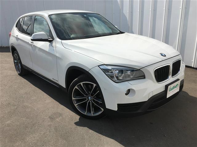 BMW xDrive 20i スポーツ 4WD 本革シート 純正ナビ