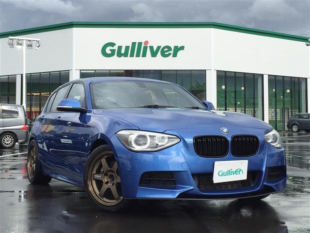 BMW 120i Mスポーツ 横滑り防止 スマートキー メーカーHDDナビ CD DVD ラジオ バックカメラ 前席パワーシート アイドリングストップ RAYS17インチアルミホイール ETC 革巻きステアリング 電動格納ミラー
