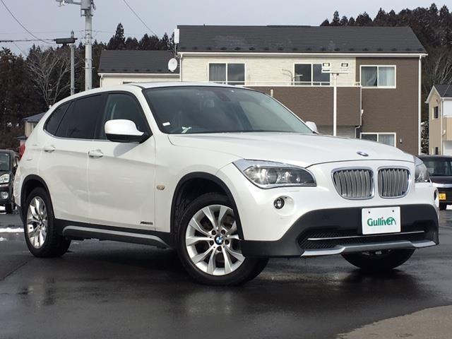BMW X1  サンルーフ 純正HDDナビ DVD CD レザーシート 前席パワーシート 前席シートヒーター プッシュスタート 革巻ステアリング 電動格納ミラー HIDライト フォグランプ スマートキー ETC