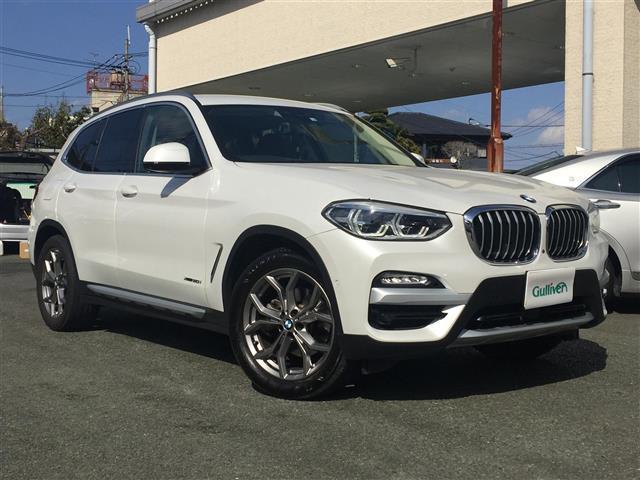 BMW xDrive20i Xライン