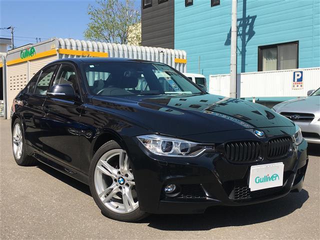 BMW 320i 4WD/スマートキー/スペアキー/エンジンプッシュスタート/バックカメラ/純正HDDナビ/BT/ETC/HIDコーナーセンサー/オートライト/ウィンカーミラー/冬タイヤ社外AW積込