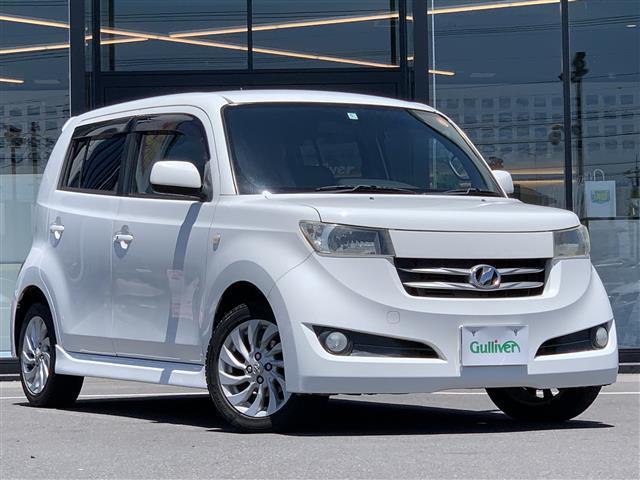 トヨタ bB Z Qバージョン 純正HDDナビ/bB専用シートカバー/ハロゲンライト/フォグライト/ドアバイザー/電格ミラー/純正フロアマット/純正15インチアルミホイール