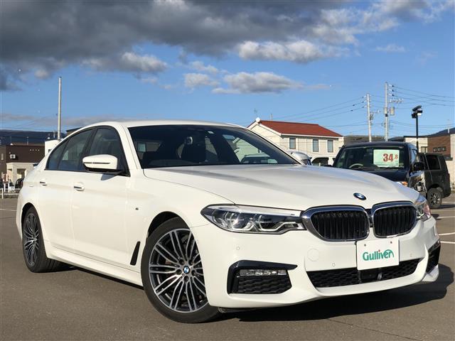 BMW 523d Mスポーツ ナビ/全方位カメラ/TV/前パワーシート/アダプティブクルコン/衝突軽減ブレーキ/BSM/オートハイビーム/パワートランク/置くだけ充電/HUD