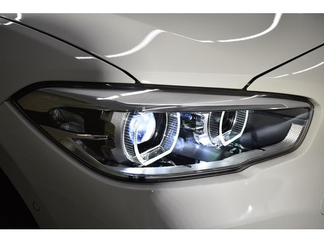 先進装備LEDヘッドライト!安全性はもちろんデザインも優れたヘッドライトです。夜道も安心して走行可能です。省エネルギー性にも優れております!