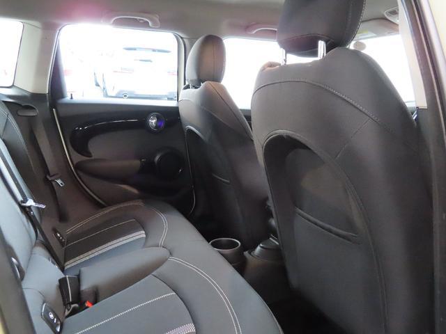 CAMERAパッケージ PEPPERパーケージアラーム システム ルーフ/ミラー ホワイト フロントシート・ヒーター(13枚目)