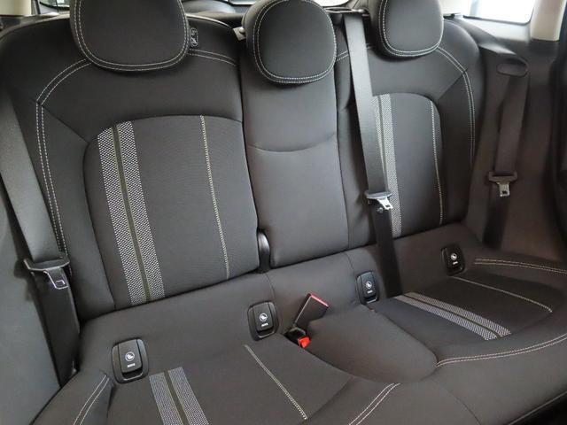CAMERAパッケージ PEPPERパーケージアラーム システム ルーフ/ミラー ホワイト フロントシート・ヒーター(14枚目)