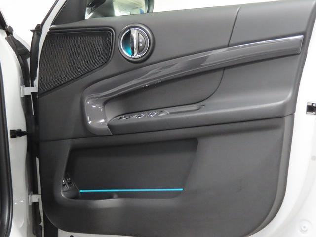 クーパーS E クロスオーバー オール4 PHEV 4WD 衝突被害軽減ブレーキ ACC シートヒーター オートトランク(29枚目)