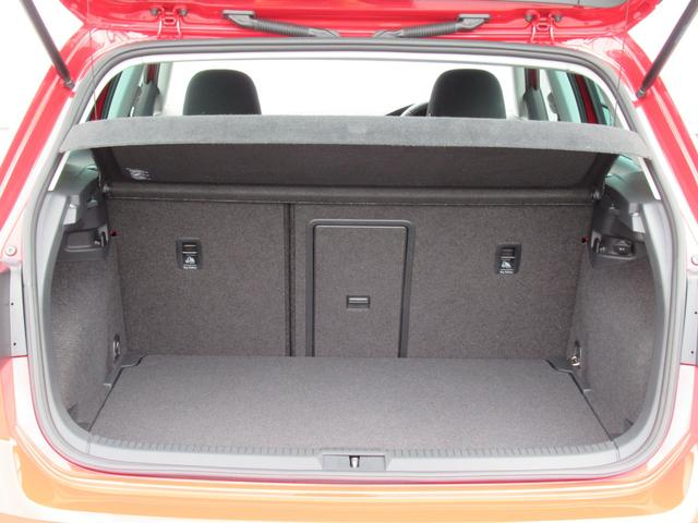 TSIハイライン NAVI BC ETC アルミホイール リアビューカメラ ハンズフリーシステム ドライバー疲労検知システム 後方死角検知機能 ブレーキアシスト レインセンサー ドライブレコーダー スポーツシート CD(18枚目)