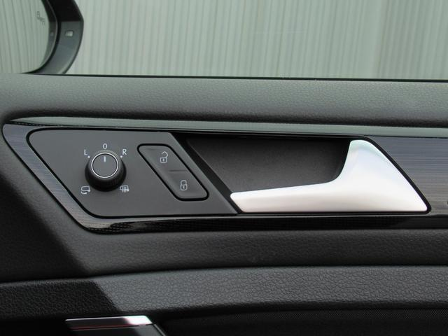 TSIハイライン NAVI BC ETC アルミホイール リアビューカメラ ハンズフリーシステム ドライバー疲労検知システム 後方死角検知機能 ブレーキアシスト レインセンサー ドライブレコーダー スポーツシート CD(32枚目)