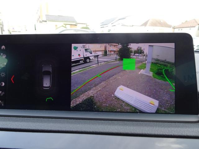 リアビューカメラ&PDCを装備!モニターで後方確認ができるので車庫入れもラクラク!