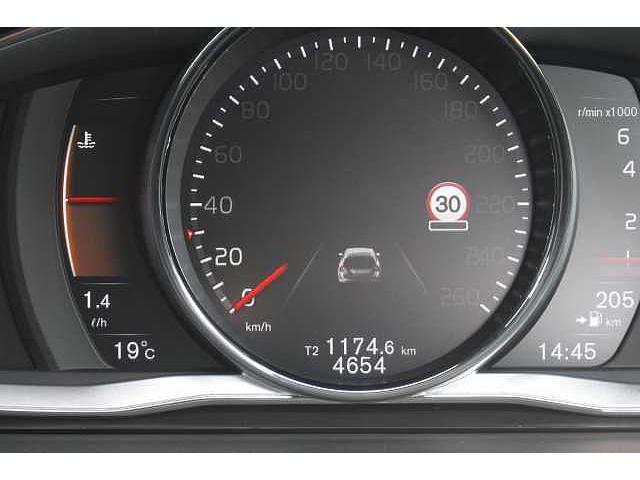 ボルボ ボルボ V60 クロスカントリー T5 AWD 革シート HDDナビ