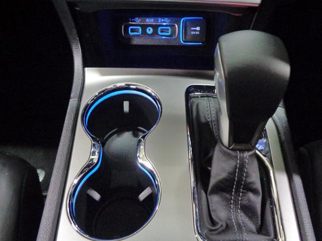 リミテッド 新車保証継承 自動ハイビーム アダプティブクルコン クォドラトラックII4×4  前後シート+ステアリングヒーター 純正ナビTV アップルアンドロイド対応 ETC ドラレコ 後カメラ 前後ソナー(17枚目)