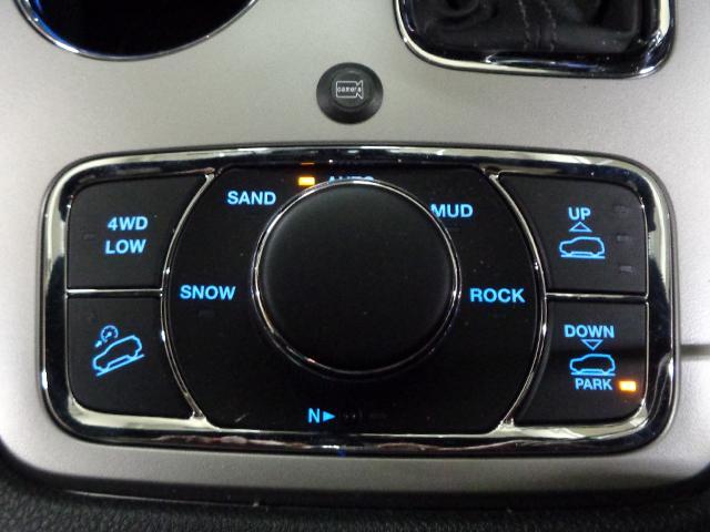 リミテッド 新車保証継承 自動ハイビーム アダプティブクルコン クォドラトラックII4×4  前後シート+ステアリングヒーター 純正ナビTV アップルアンドロイド対応 ETC ドラレコ 後カメラ 前後ソナー(18枚目)